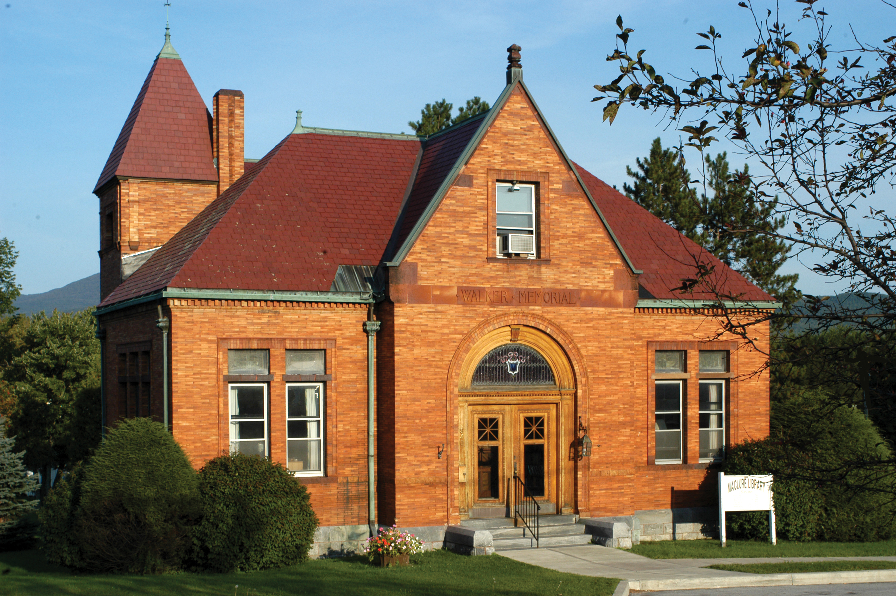 Pittsford Maclure Library
