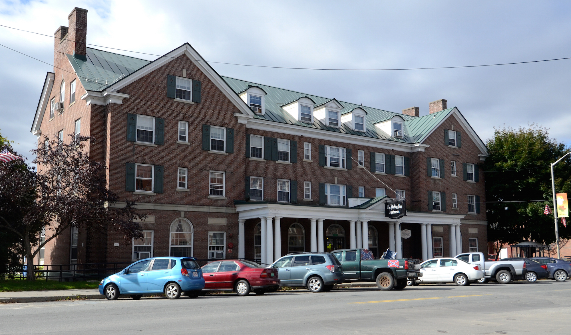 Lyndonville Darling Inn